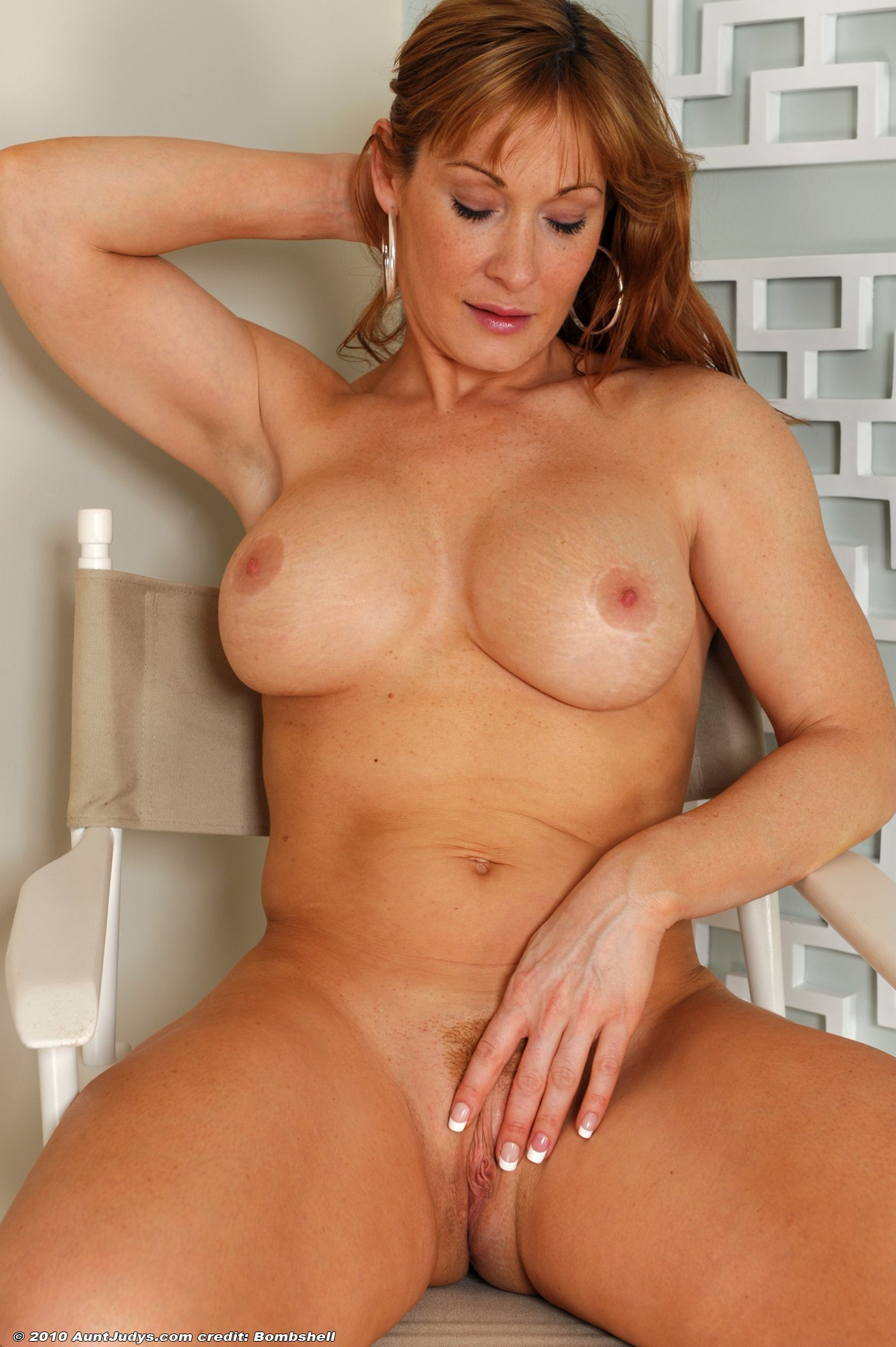 Mature Nude Cougars
