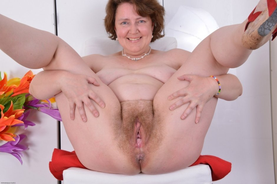 Sexy Hairy Mature Cunts Pics