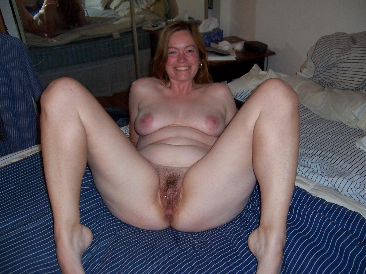 Mature Amateur Slut Showing Her Knockers And Pussy Granny Shows